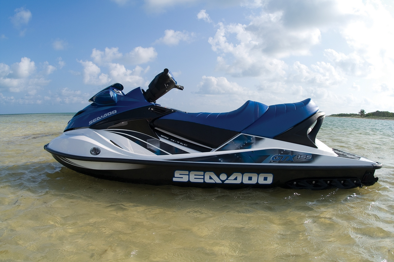 the 10 fastest jet skis in the world therichest. Black Bedroom Furniture Sets. Home Design Ideas