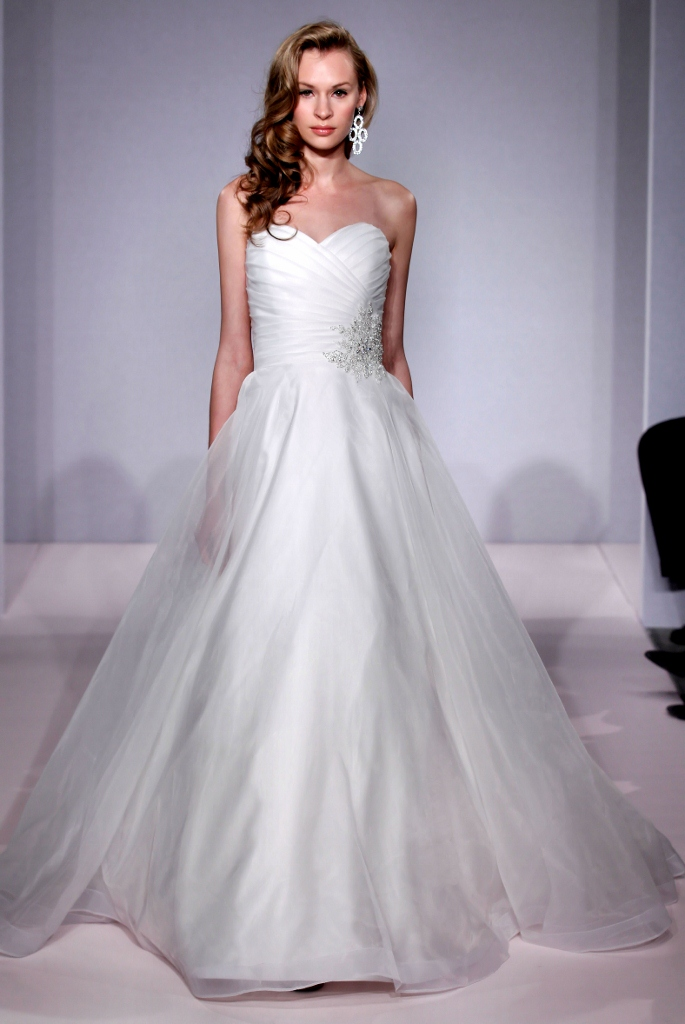 10 popular wedding dress designers at kleinfeld therichest