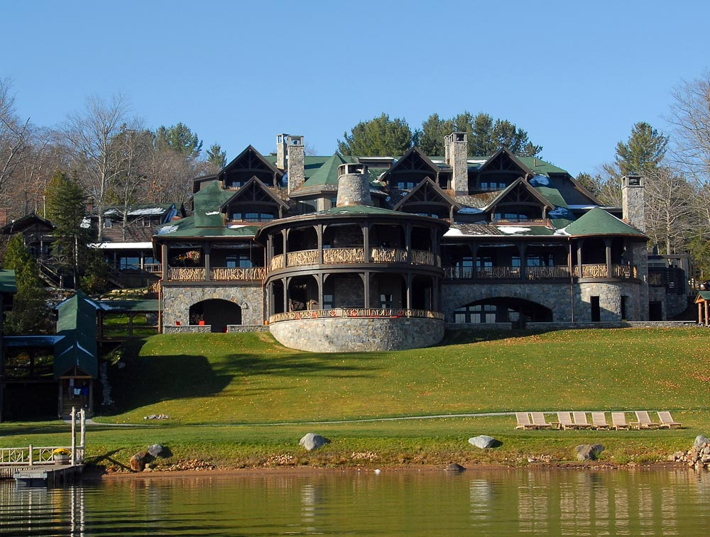 The 10 most luxurious lake resorts in the united states for Most luxurious hotels in the us