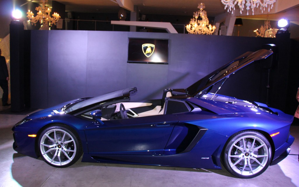 The 2014 New Lamborghini Aventador Lp700 4 Roadster