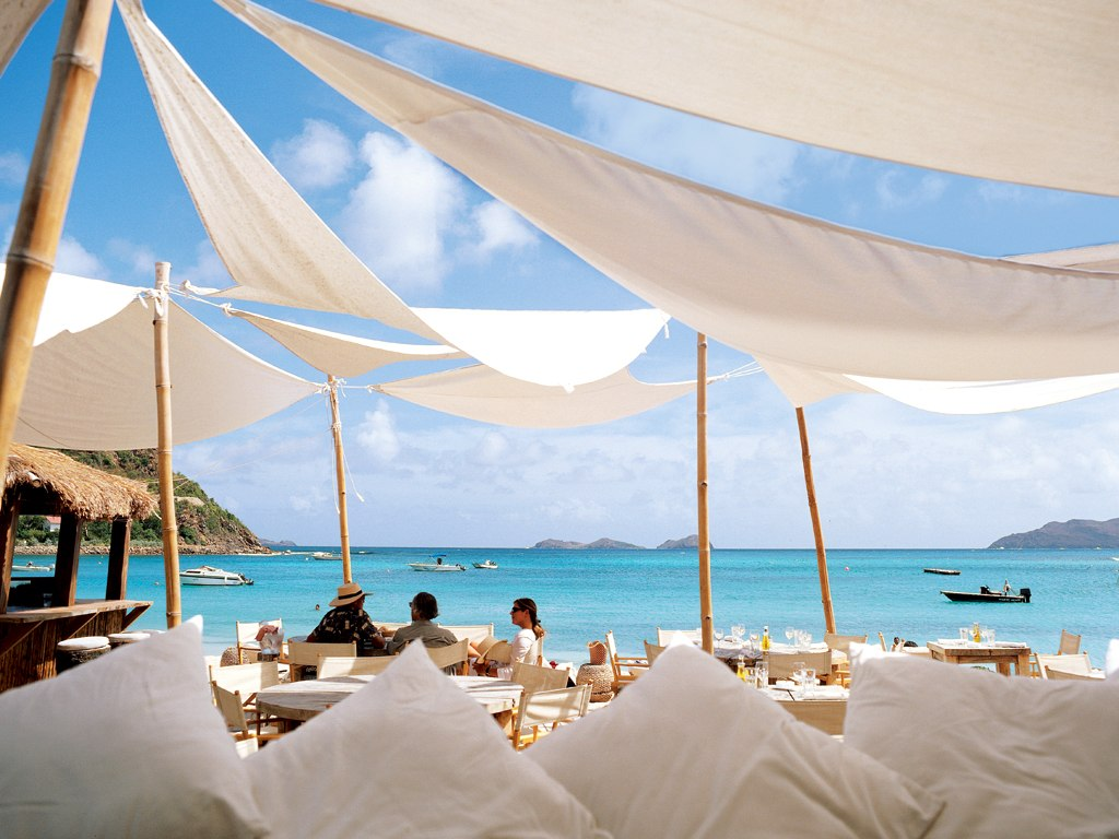 Treasure islands the most elite bars in the caribbean for St barts in the caribbean