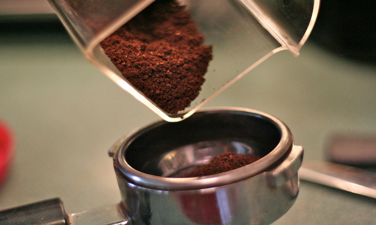 15 handy uses for old coffee grounds. Black Bedroom Furniture Sets. Home Design Ideas