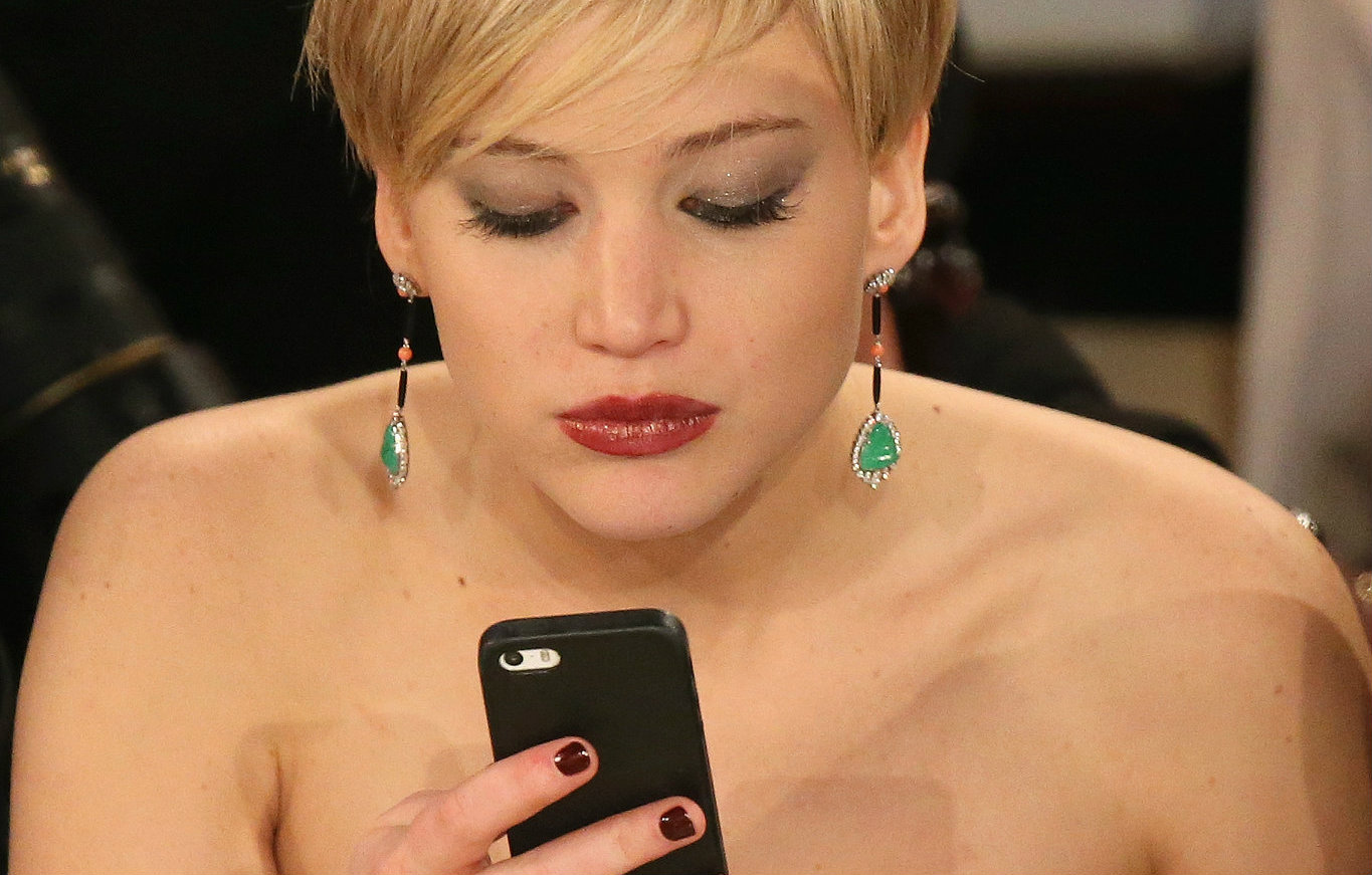 jennifer lawrence cell phone nudes