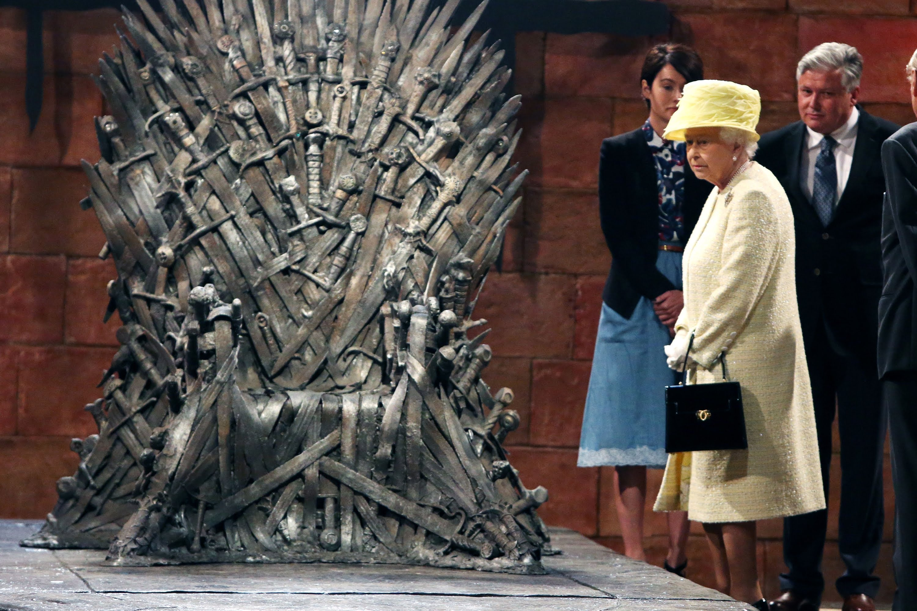 10 Of The Queen Of England 39 S Most Embarrassing Moments