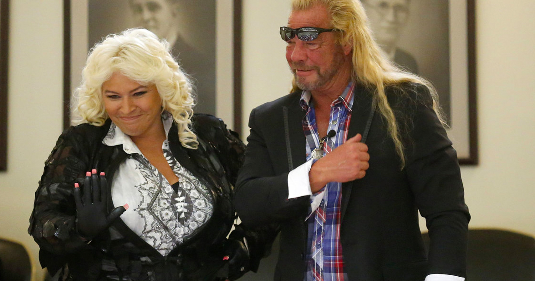 dog the bounty hunter 39 s wife beth chapman has throat cancer