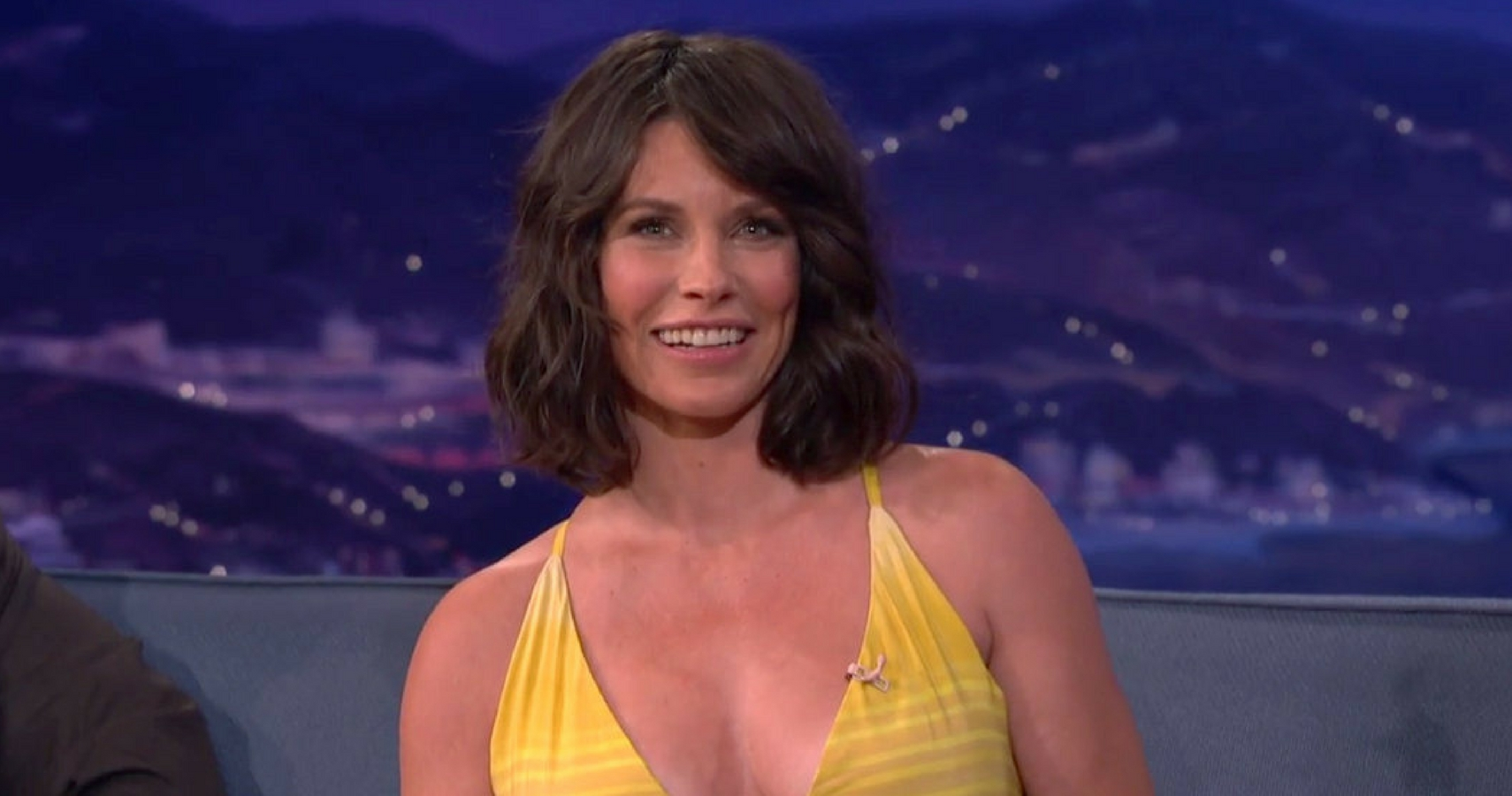 Evangeline Lilly Posts Steamy Video of Home Workout