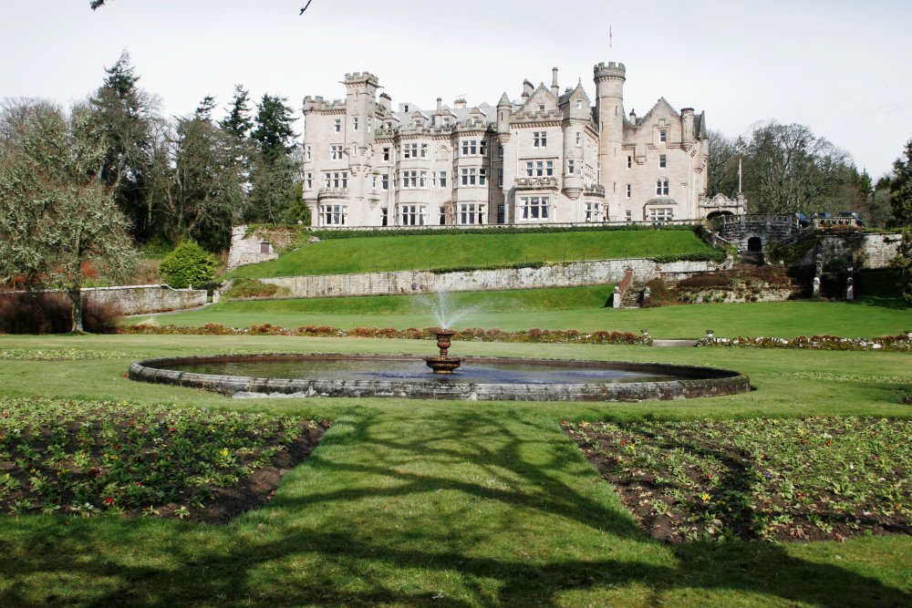 Skibo Castle Andrew Carnegies Amazing Mansion Therichest