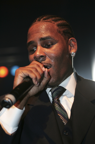 R. Kelly Net Worth - TheRichest