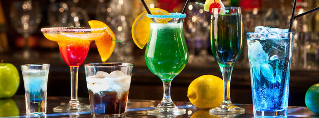 Top 10 Most Sold Cocktail Drinks Around The World