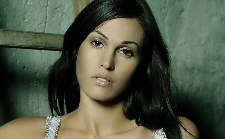 Top Ten Most Beautiful Italian Women  - Ibavwd Azhve