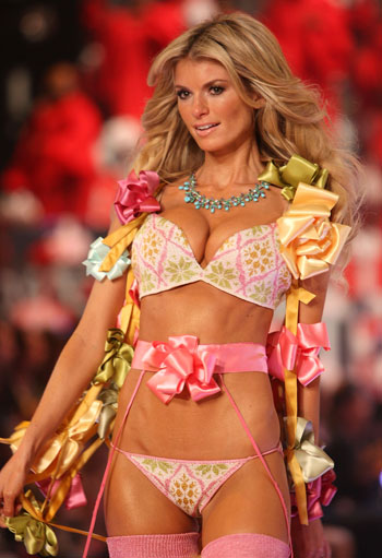 The Top 10 Sexiest Victoria S Secret Models Of All Time